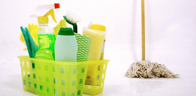 Oczyszczanie w spółkach, składach oraz przedsiębiorstwach. Czy warto korzystać z usług profesjonalnej ekipy