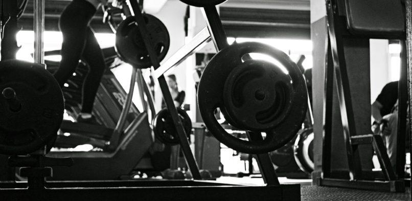 Jak wyposażyć i wyremontować siłownię, aby było jak należy?